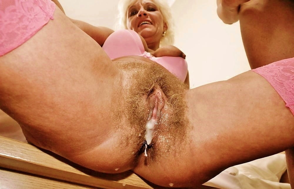 Close up mature creampie pussy