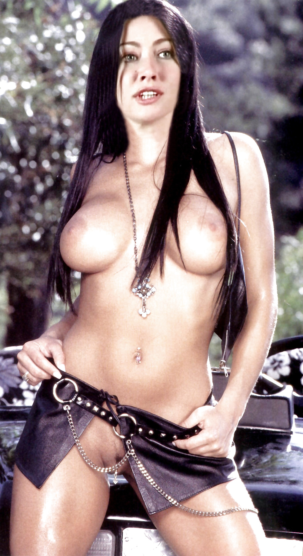 Sexy naked shannen doherty