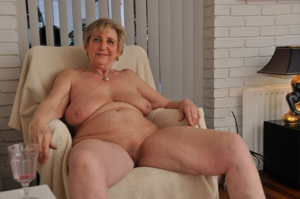 Hot Naked Older Ladies