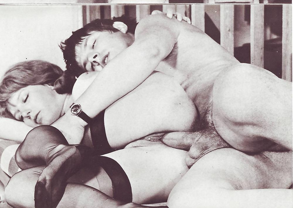 masturbatsiya-domashnee-erotika-grecheskoe-retro-porno-dvoe-trahayut