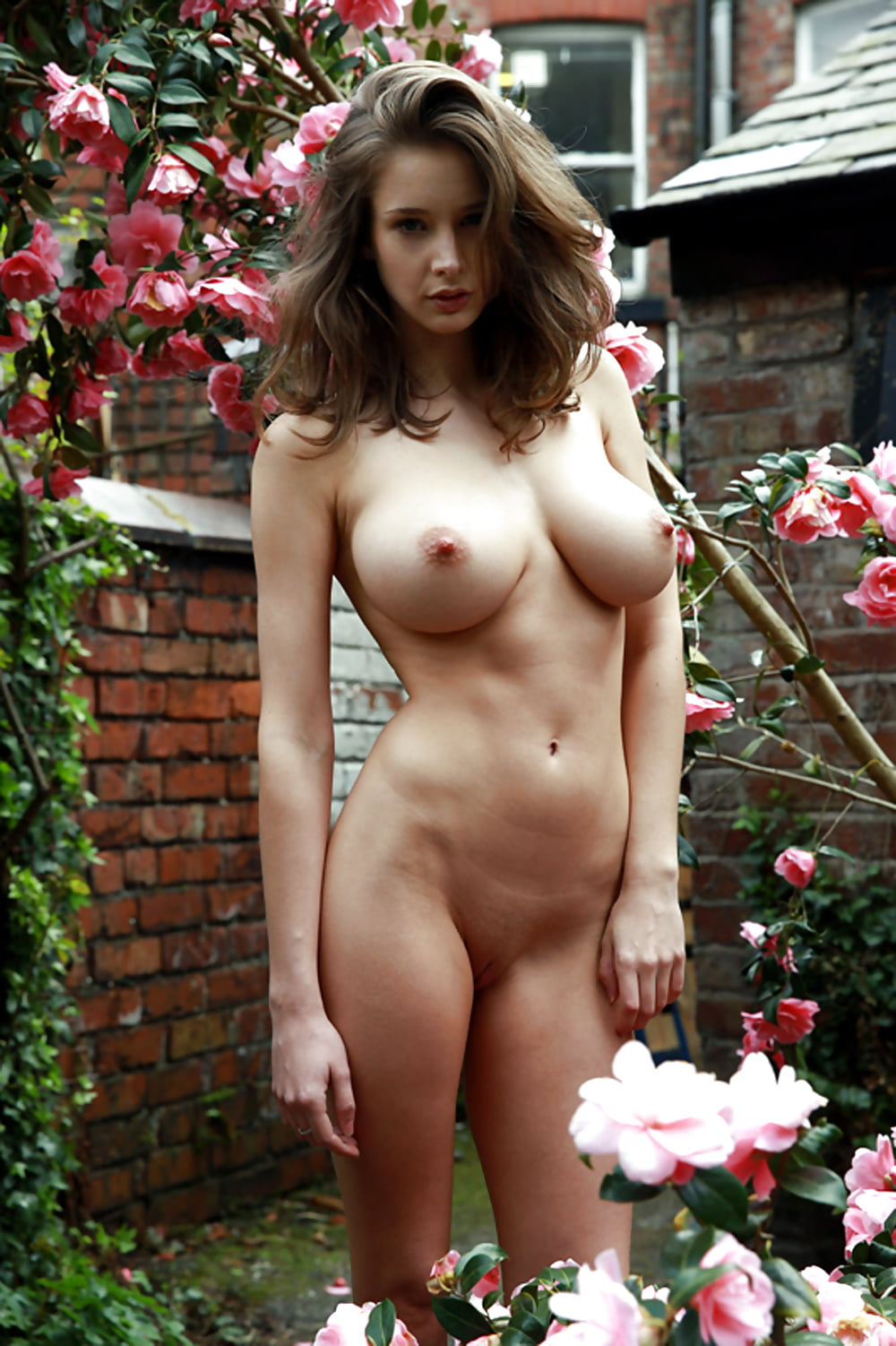 эротика эмили грудь - 1