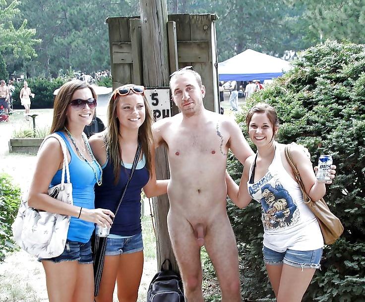 Голые женщины с мужиками на улице картинки осмотре гинеколог