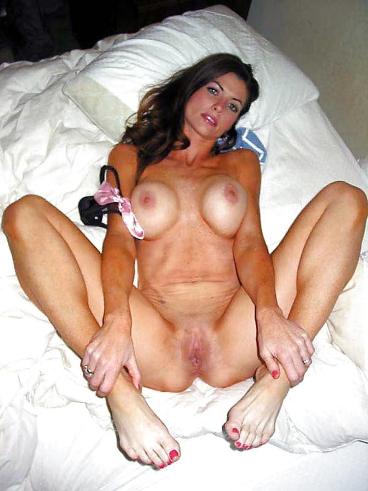 naked-whore-milf