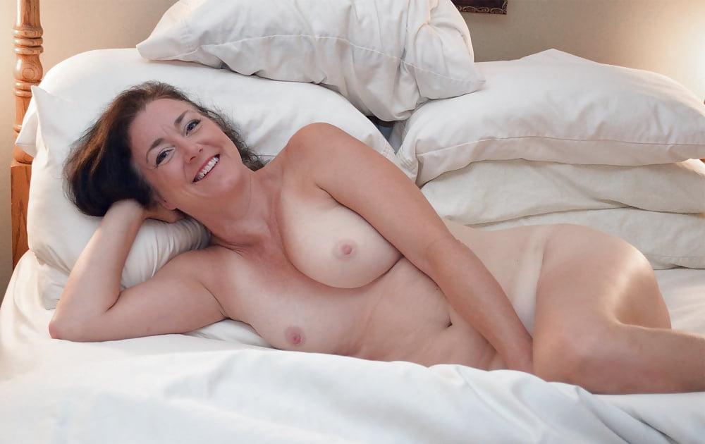 Milf naked in bed sleeping