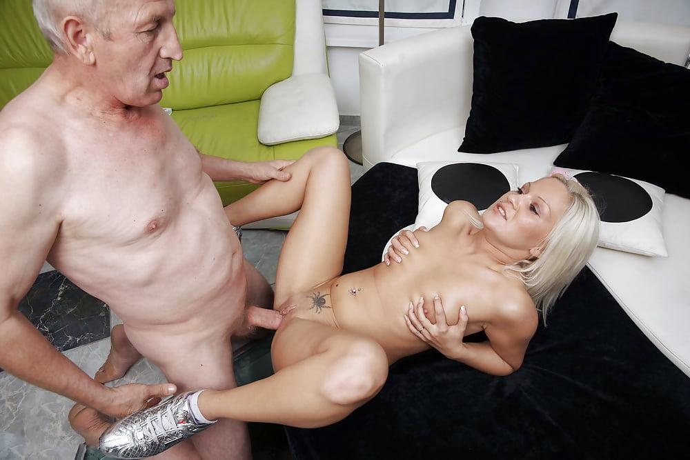 Эротика старик и девушка кончают во внутрь — photo 3