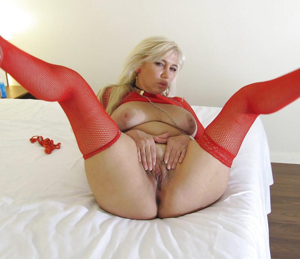 Женщина соло порно фото пизда фото лесби