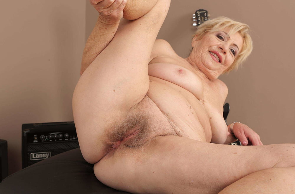 Naked Hairy Older Women Porndude 1