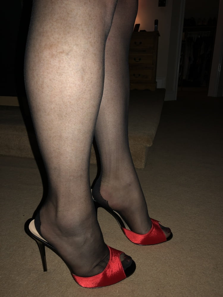 Mules and pantyhose