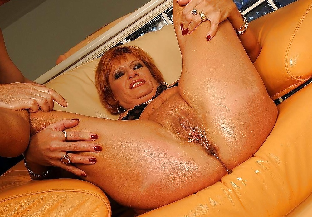 Milf kelly blonde busty