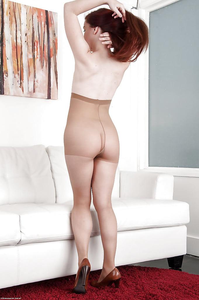 charlie-laine-annabelle-lee-pantyhose-la-girls-nude
