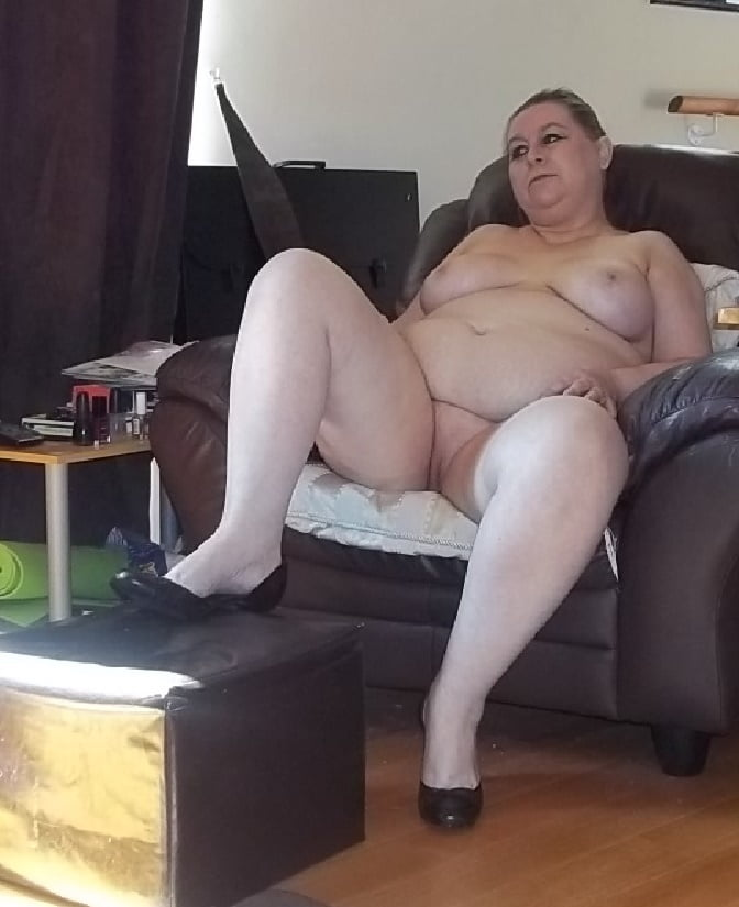 Mature home nudist