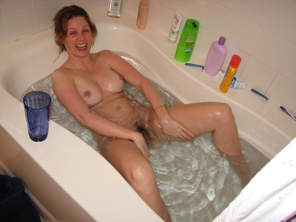 Chinese real bathroom nude pics porn