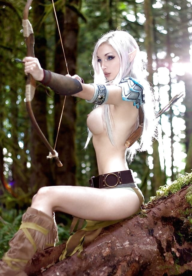 Naked dark elf female