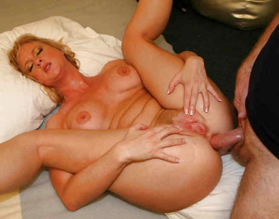 Mature bitch mom porn pics, wife mother anal sex young boy, son fuck big tit mom pussy