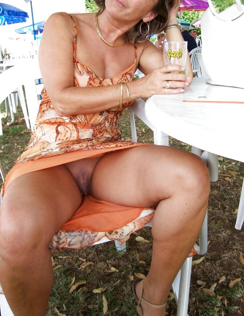 Candid Mature Upskirt - Panty Voyeur - Sexy Ass Milf - 44 -2876