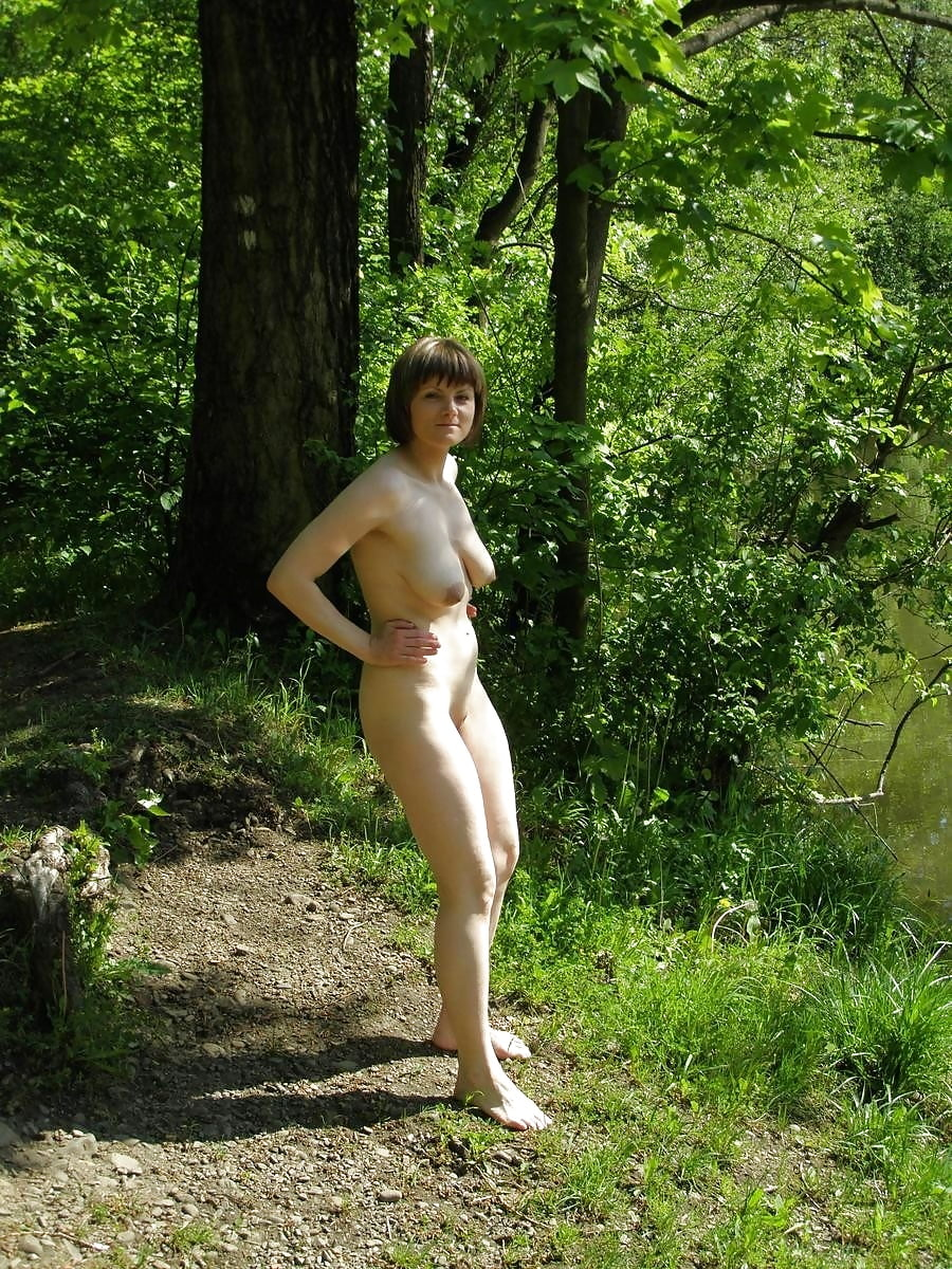 Milf naked in nature — pic 7