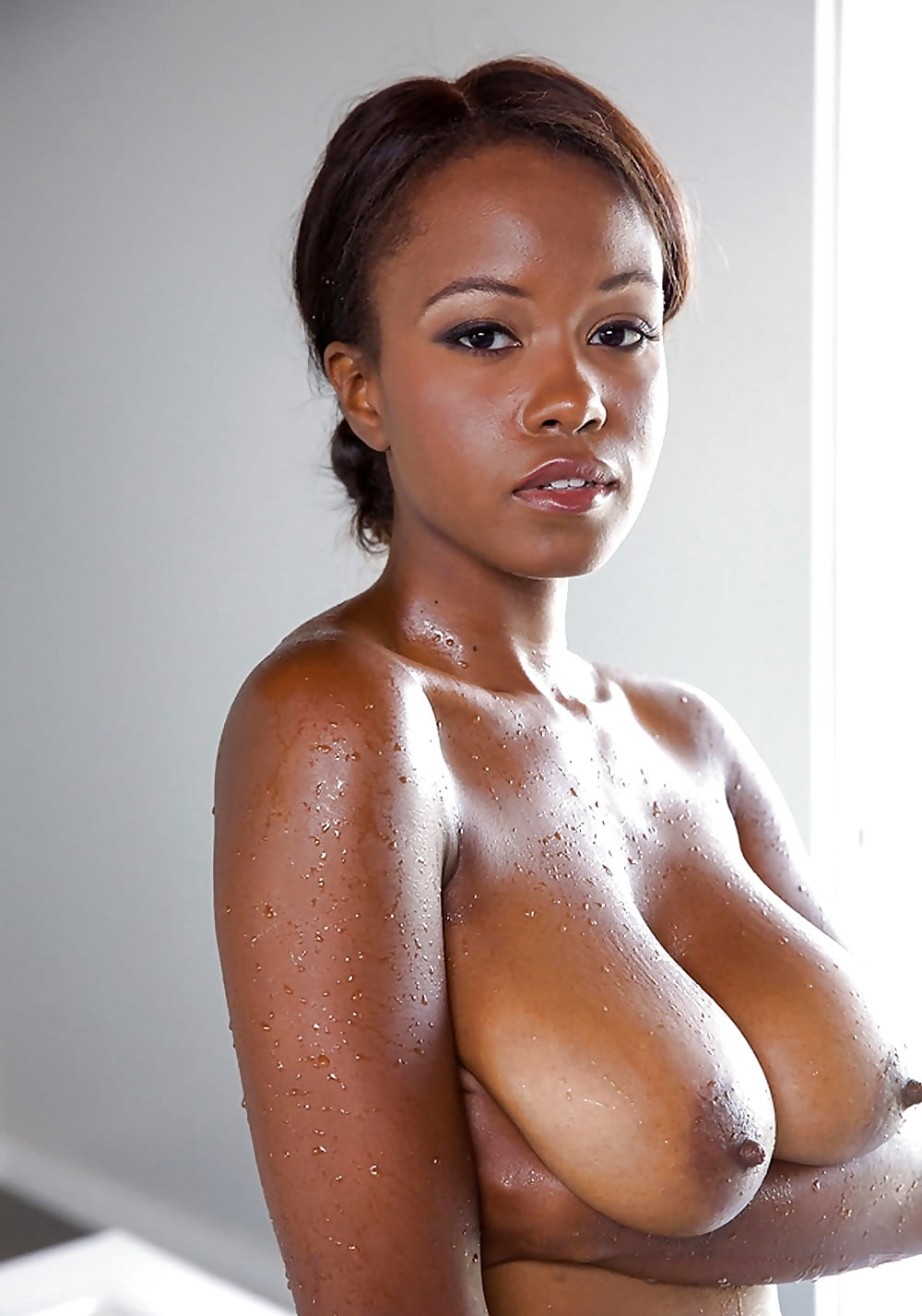 Black girls big natural tits — photo 11