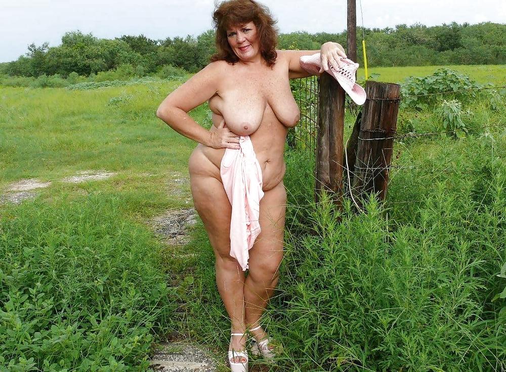 Порно зрелых в деревне на фото нее огромный
