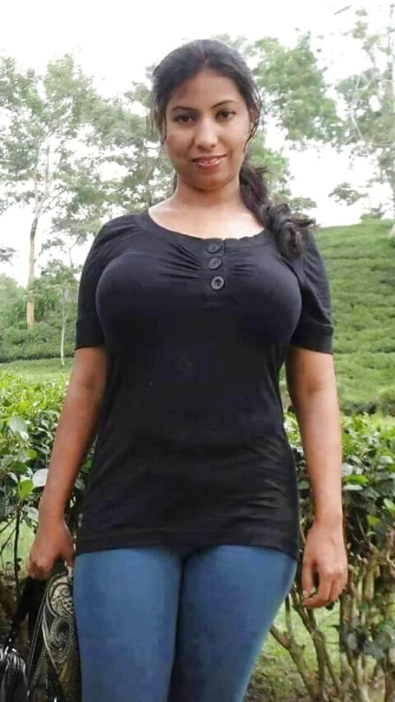 Sri Lankan School Girl Boobs