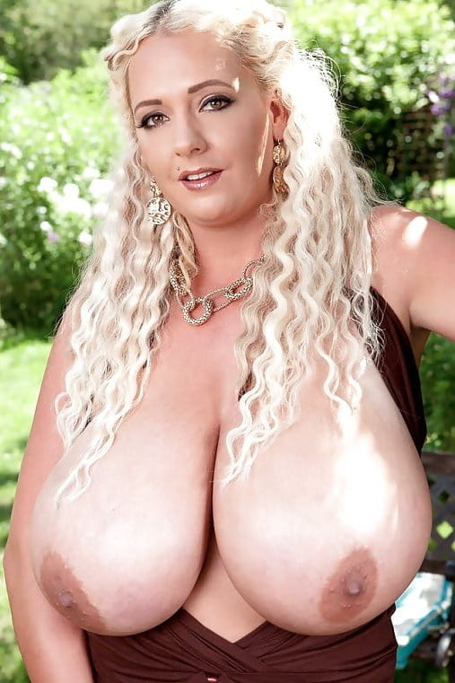 Giant natural tits milf-9082