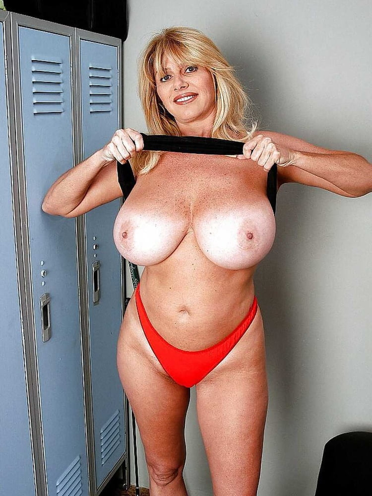 Hot Big Tits Milf Fucks To Pay Her Rent