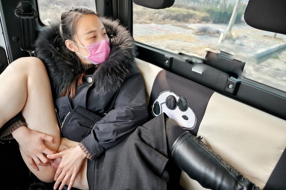 Xiaoxiao car ride with friends