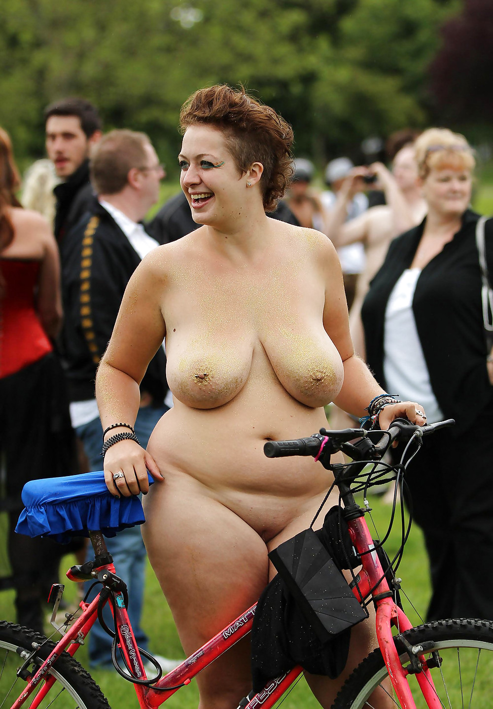 hand-fat-girl-naked-on-a-bike-slut-she-said