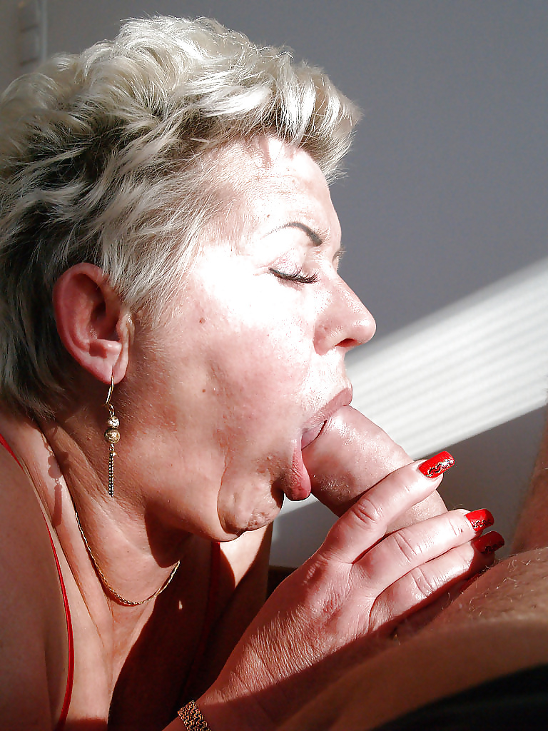 Amateur granny sucking black dick