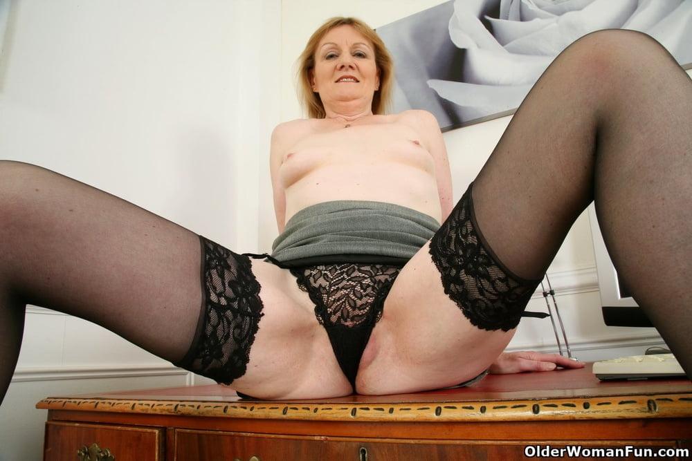 Clare from OlderWomanFun - 12 Pics