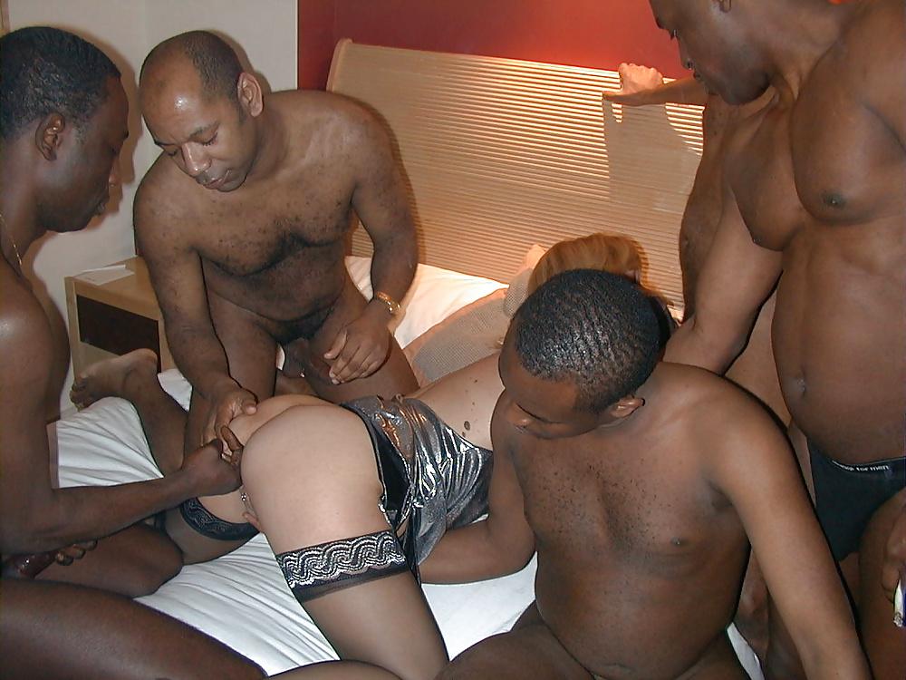 Cuckold gangbang porn pics
