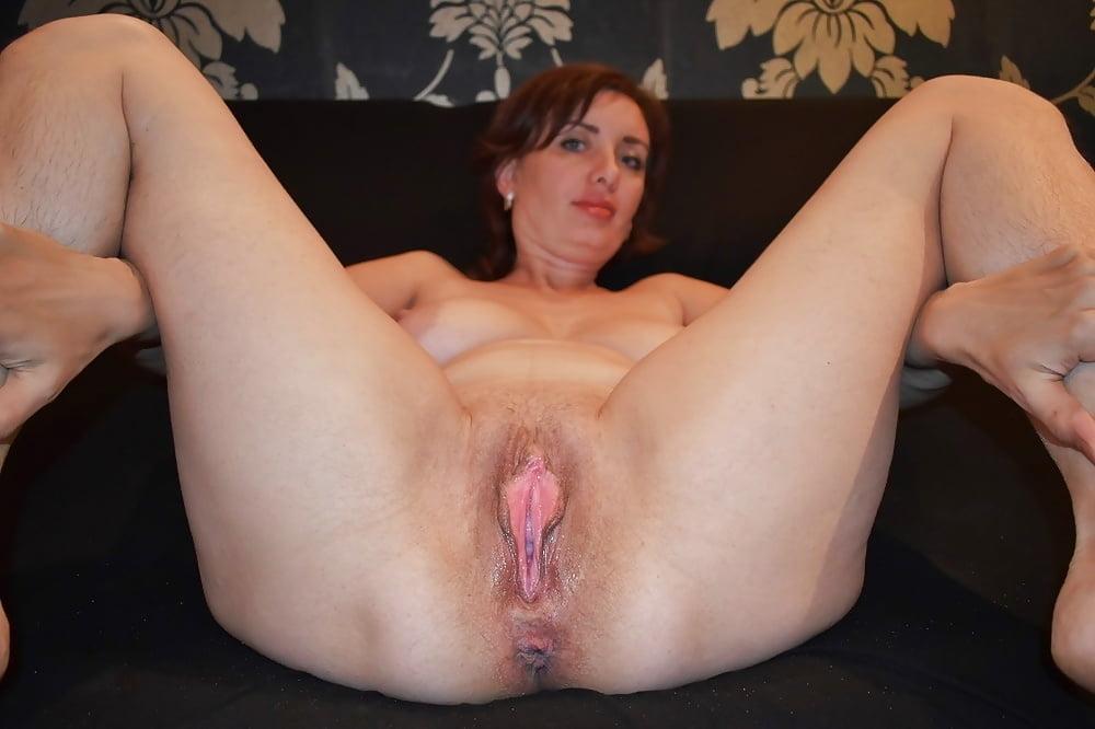 amateur-women-spread-open-pussy