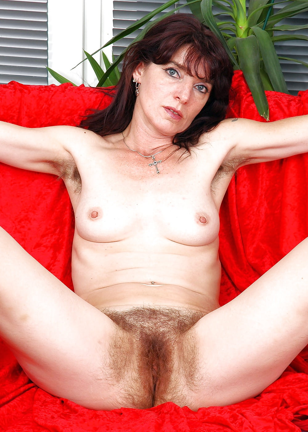 Mature hairy jpegs — img 9