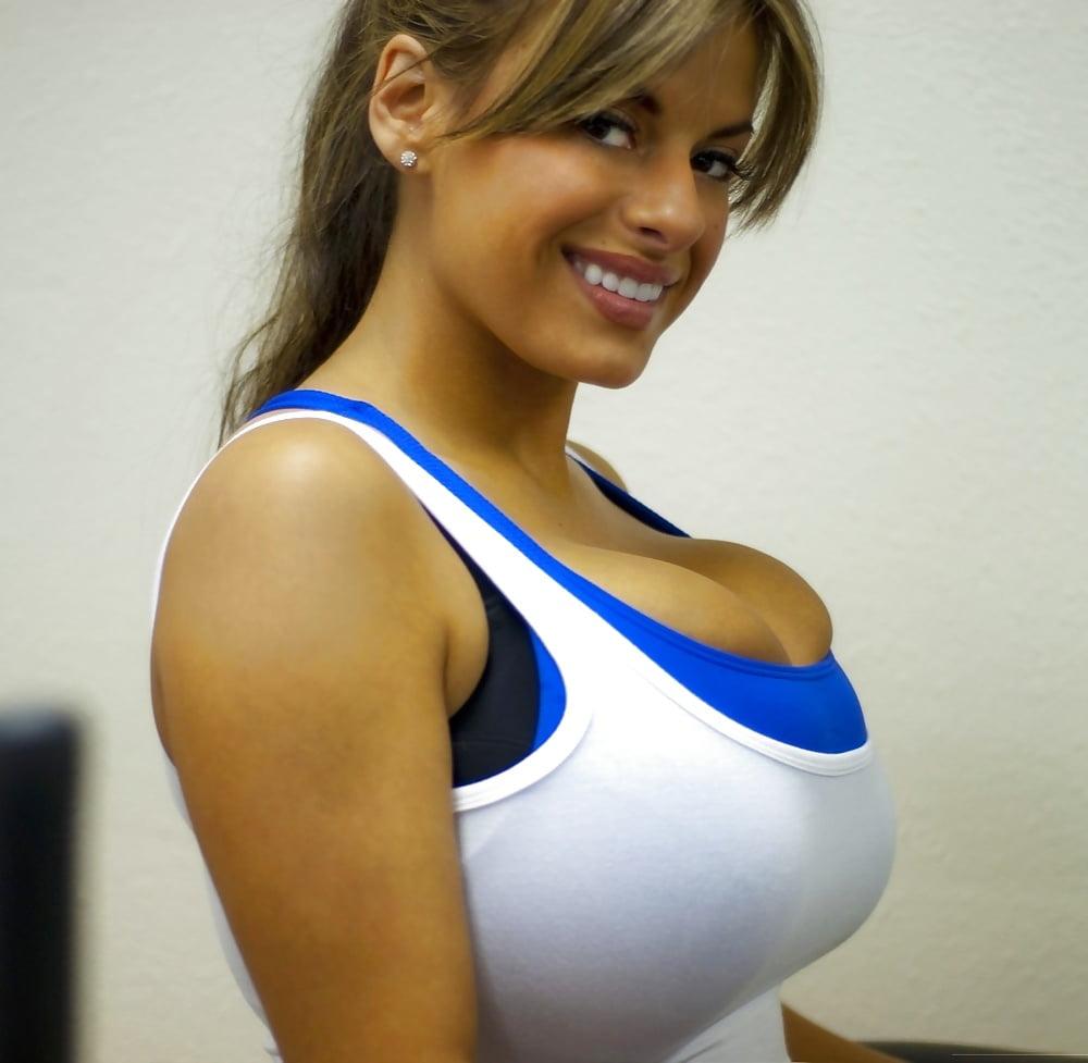 Amateur big tits pic collection part ii