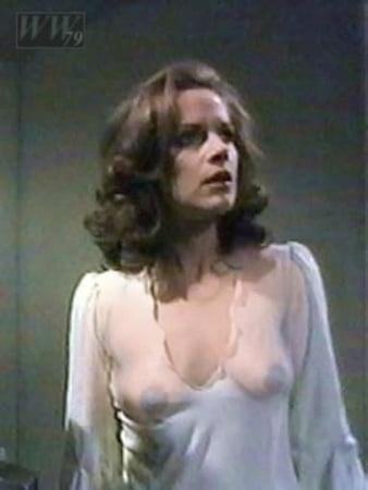 Mary Tamm  nackt