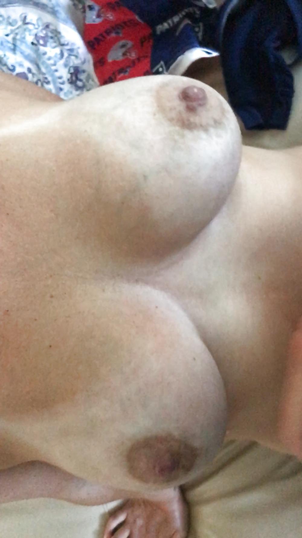 Nude pregnant women