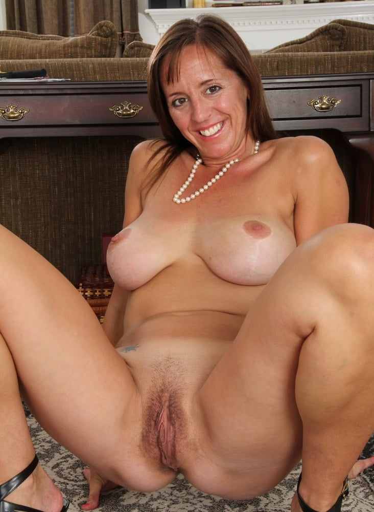 Women play sex solo pic