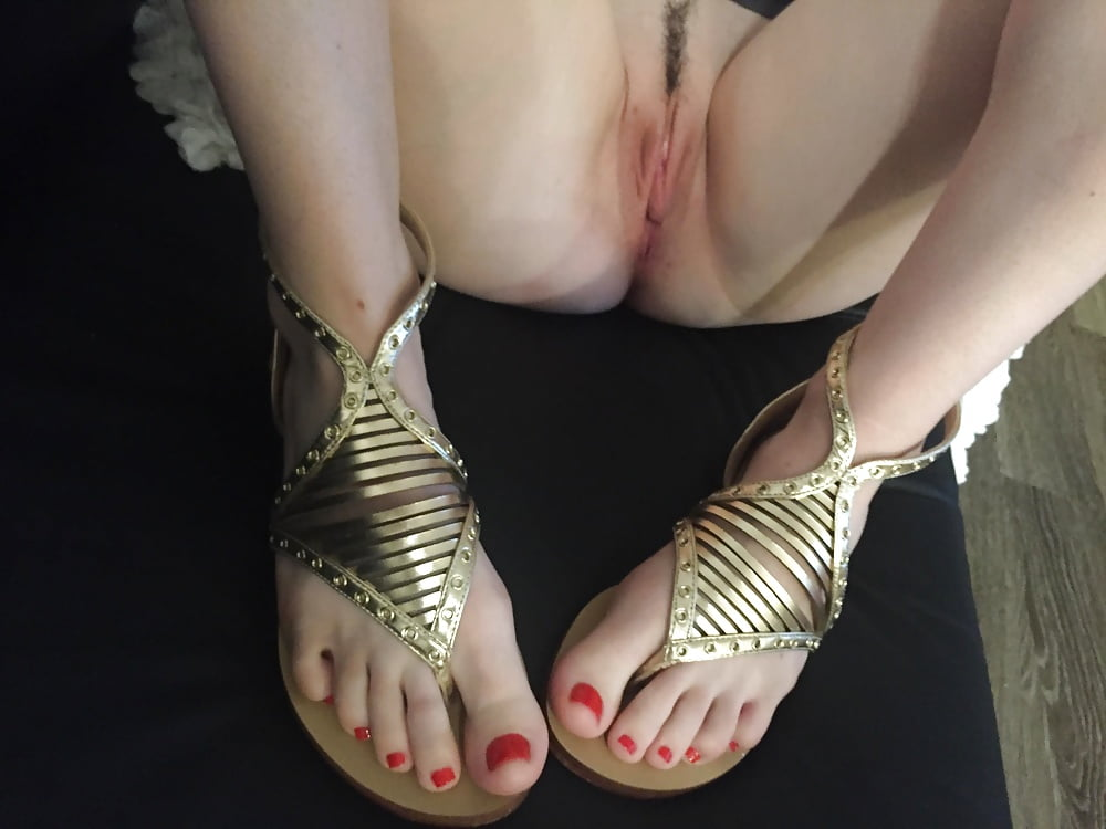 Pussy sandals