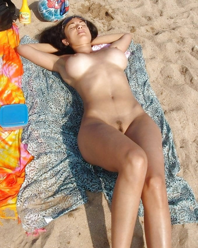 Sexy topless beach girls-5680