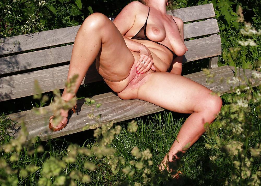 Amateure Muschisaft Wald Orgasmus