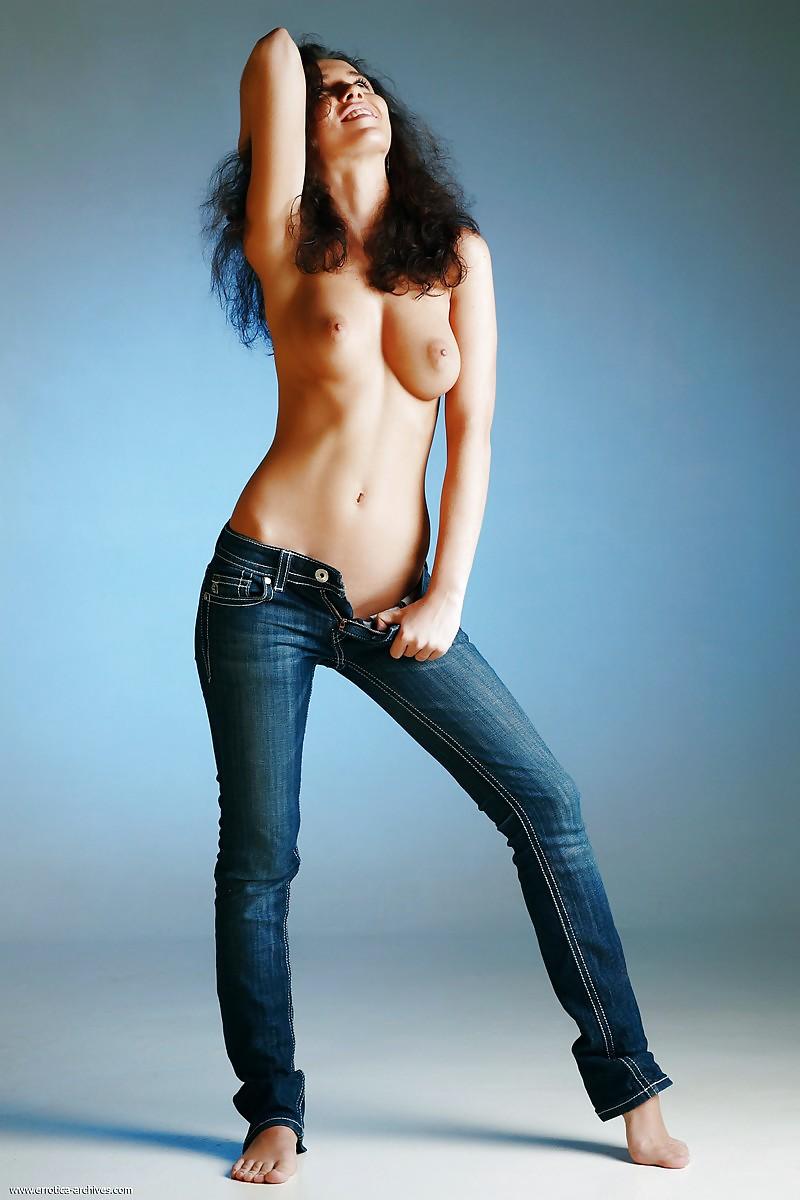 Эро джинсы фото, жена не хочет давать мужу домашние съемки