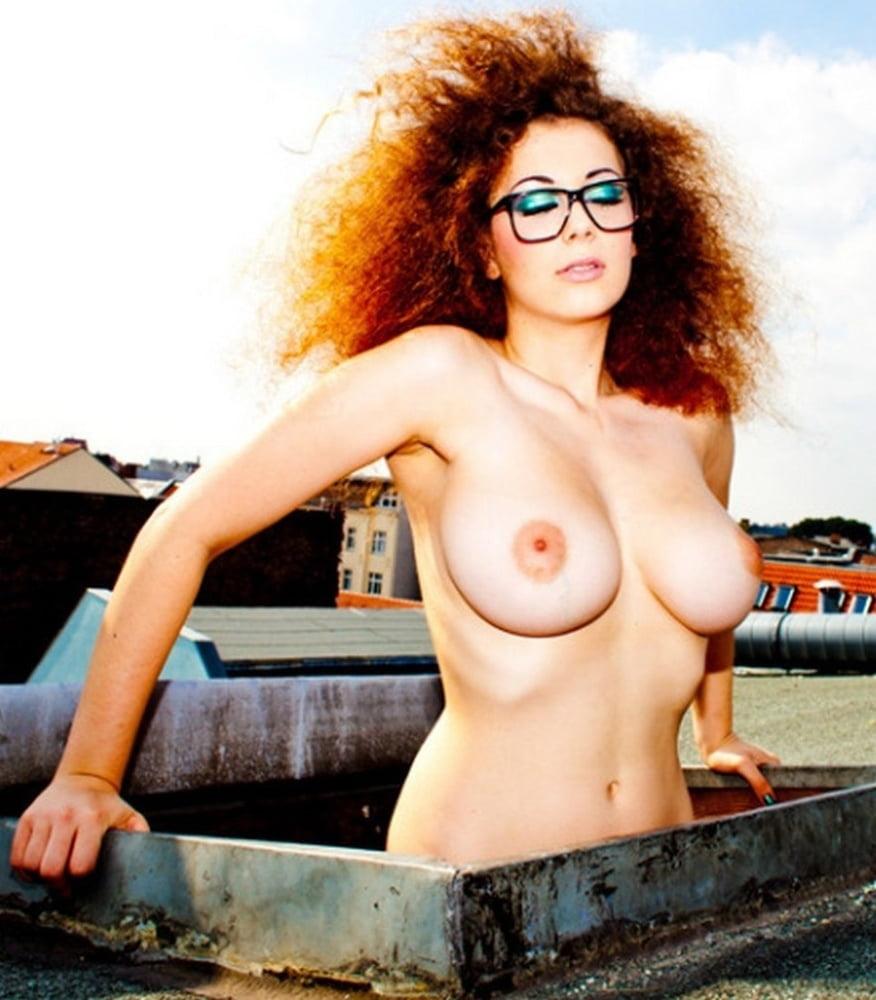Lowfire nackt bilder leila Leila lowfire