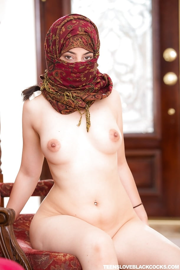 golden-hijab-true-nude-piercing