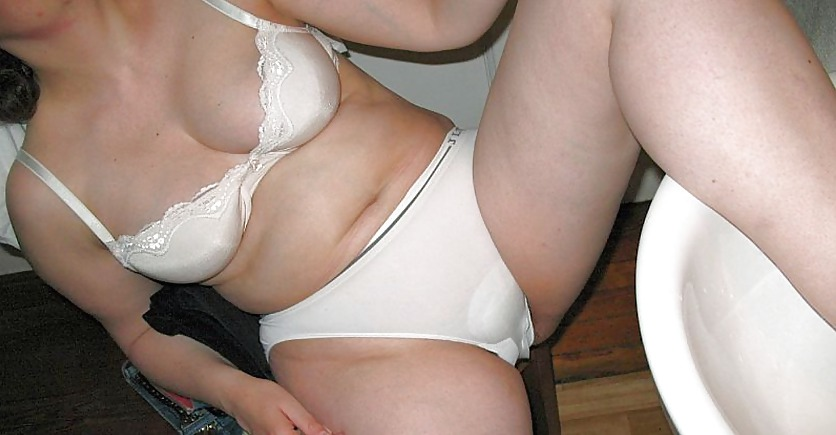 Voyeur old women underwear pictures