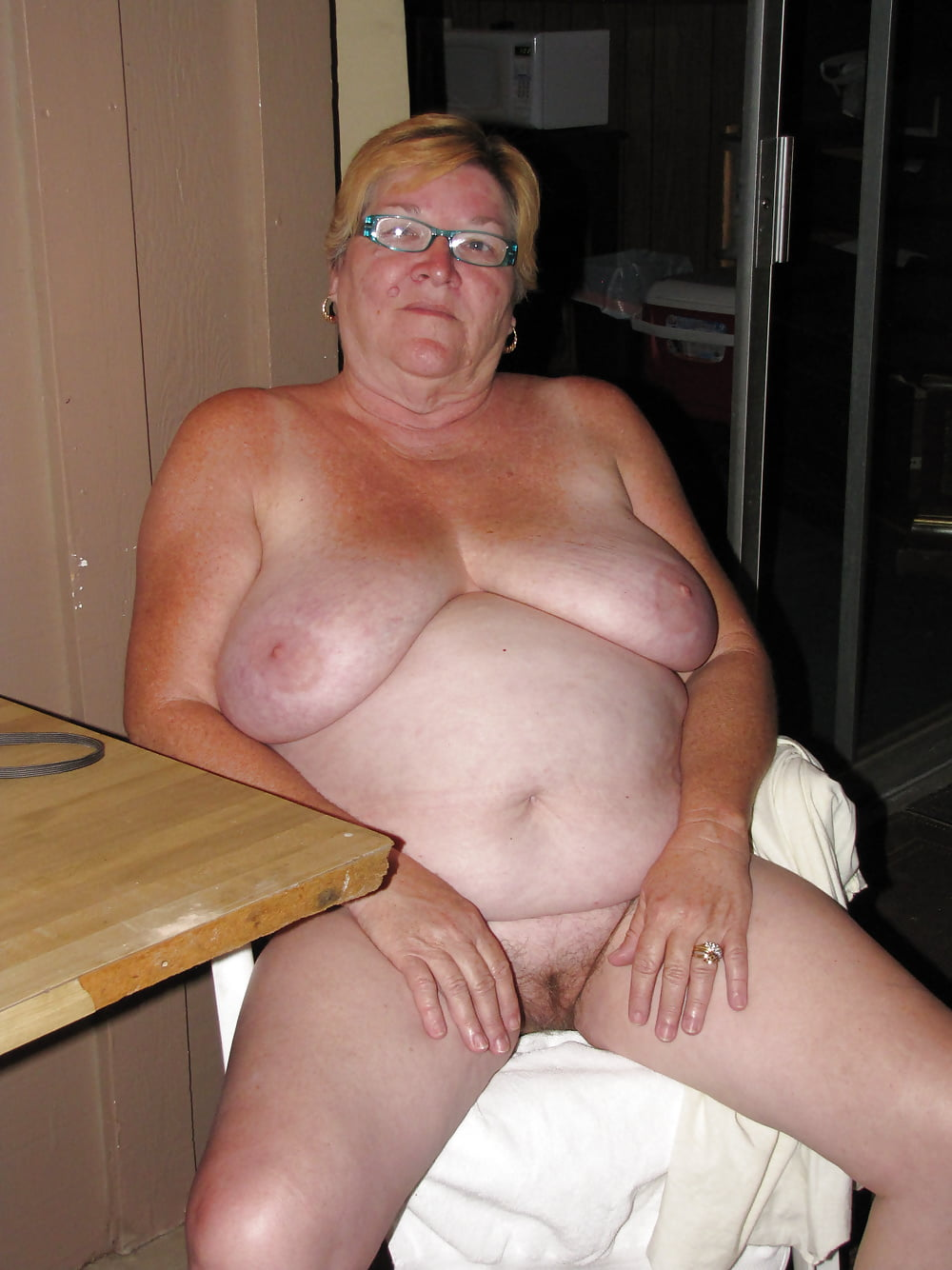 Womens old fat naked ladies porn