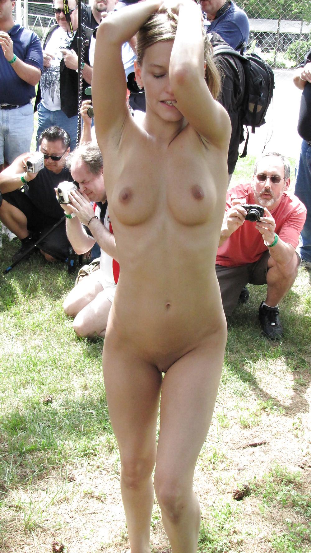 Embarrassed Nude Female Lezdom