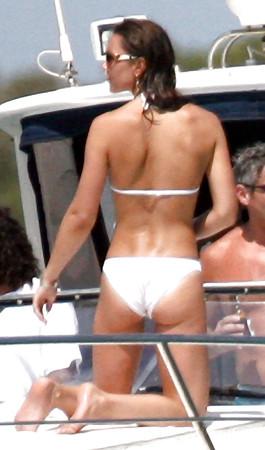 off Pulling bikini