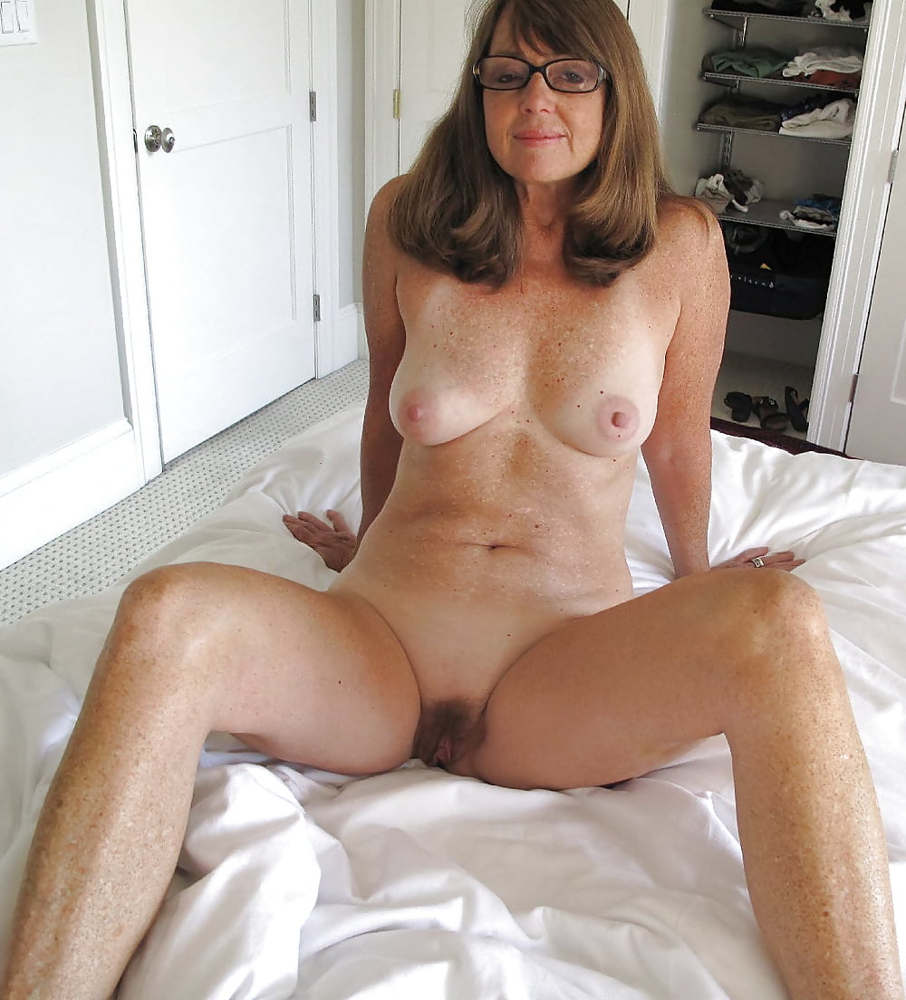 Almost nude amateur milf — photo 1