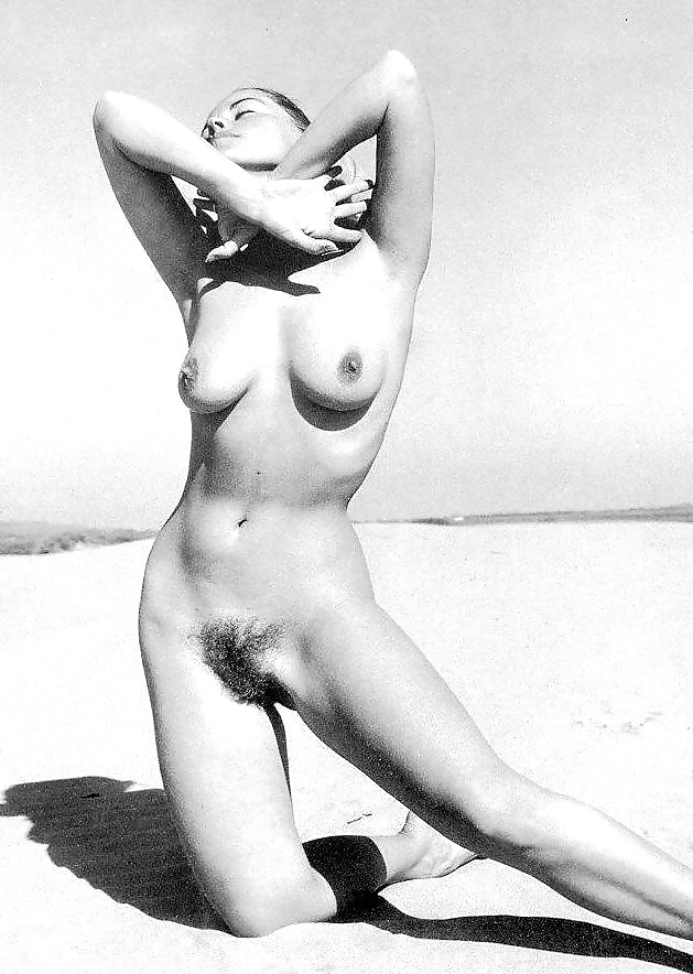 Real Classic Naked Babes On Very Vintage Photos