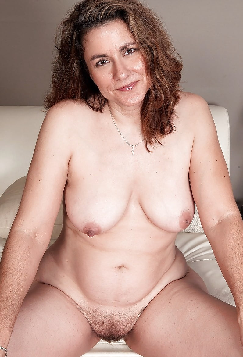 Gorgeous nude middle age women 1
