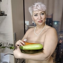 Big Vegetable Insertion In Wet Mature Cunt Of MILF Secretary